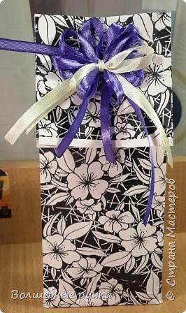 Доброго времени суток, друзья ))) Впереди нас ждет 8 Марта и ....много подарков. Вот и я решила всем девочкам на работе подарить что-нибудь приятное. И придумалась такая вот упаковочка... фото 1