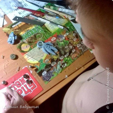 Недавно к нам в гости приходила мамина знакомая, она занимается лепкой, и приносила подвески из полимерной глины. Называются они  - Хоро, биороботы.Мне они очень понравились и я слепил себе похожего)) Тут можно посмотреть биороботов тети Ксюши и почитать их историю https://www.instagram.com/p/BCPH648KwlI/?taken-by=yavorskaya_sova фото 4
