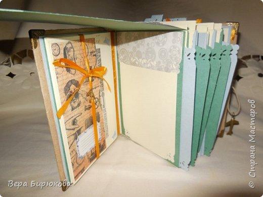 Вот такие гиганты у меня получились, представляю на Ваш суд два похожих альбома, форматом А4, рассчитанные на 150 фотографий. При желании можно и больше!!!!! фото 26