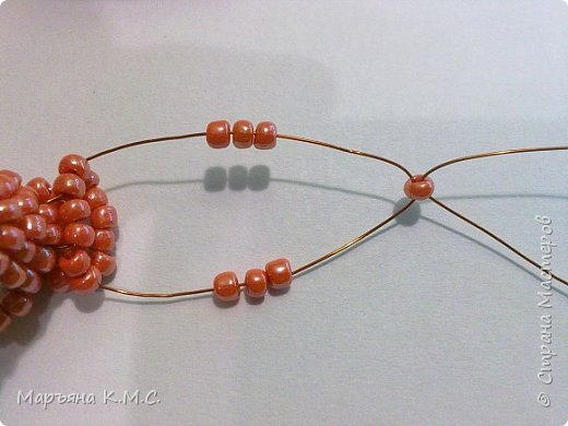 Белочка в технике объемного паралельного плетения. Это мое творение. Белочка была придумана мною несколько лет назад. Решила сделать очень подробный мастер-класс. Надеюсь, что вам понравится) фото 48