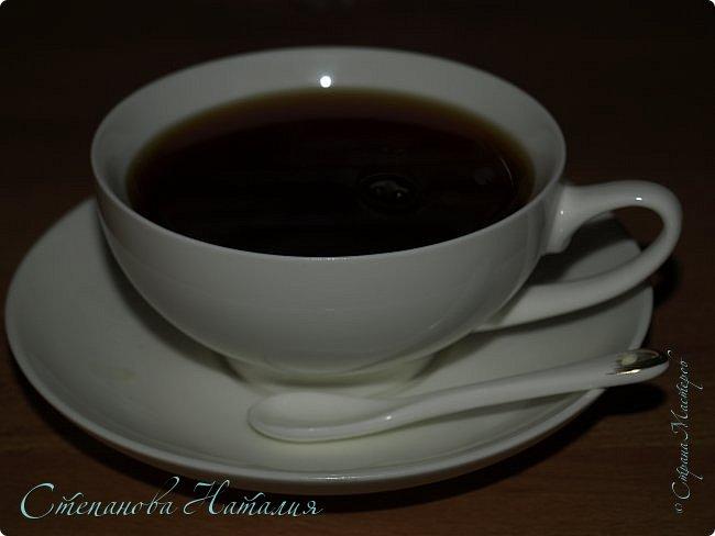 Доброе утро!!! С первым днем весны вас, дорогие мои!!! Не знаю как у кого, а у меня уже и настроение весеннее))))) По сему предлагаю вам рецепты чайных напитков, которые меня покорили! За чайное вдохновение благодарю Марину Ставицкую!!! Итак.. 1. Холодный облепиховый чай. Чай черный (крупнолистовой), листья свежей облепихи, листья свежей мяты, мед акации.  2. Цитрусовый чай. Черный или зеленый (крупнолистовой) чай, гвоздика 2 шт., корица 1 палочка, цедра апельсина, лимона, мандарина. 3. Чай с ромашкой и мятой (особенно полезен детям!) Черный чай, мята, ромашка, мед акации. 4. Холодный дынный чай Зеленый крупнолистовой чай, свежая дыня. 5. Чай с лимоном, имбирем и корицей Черный чай, свежие кружочки лимона, корица 1 палочка, свежий корень имбиря, мед акации. 6. Зеленый чай с крыжовником Ягоды крыжовника проколоть вилкой. В чайник сложить ягоды крыжовника с листиками и зеленый чай, заварить и настаивать 15 минут. Пить можно как горячим так и холодным! 7.Черный чай со смородиновым и малиновым листом Черный чай, листья смородины, листья малины, мед акации при желании. фото 1