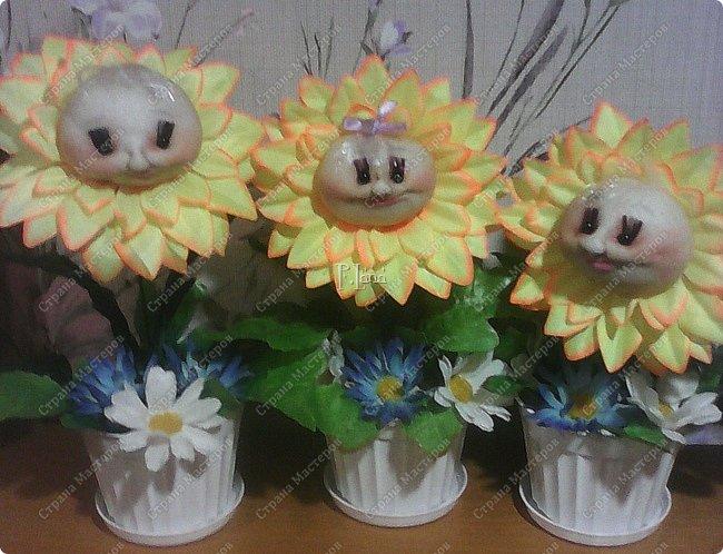 Цветок в горшке- не однодневка. За ним не нужен и уход, Но как же радостно на сердце, Когда подарок твой цветёт!  Здравствуйте,жители Страны Мастеров!Поздравляю Вас с первым днём Весны!Тепла и улыбок Вам! Вот такие позитивчики родились у меня в преддверии 8 марта. Как они делаются можно посмотреть тут  http://stranamasterov.ru/node/612449  .  фото 5