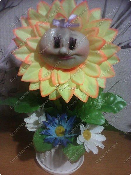 Цветок в горшке- не однодневка. За ним не нужен и уход, Но как же радостно на сердце, Когда подарок твой цветёт!  Здравствуйте,жители Страны Мастеров!Поздравляю Вас с первым днём Весны!Тепла и улыбок Вам! Вот такие позитивчики родились у меня в преддверии 8 марта. Как они делаются можно посмотреть тут  http://stranamasterov.ru/node/612449  .  фото 4