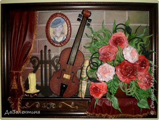 Друзья, представляю Вам еще одну картину со скрипкой «Розы для Эллочки». Картина сделана в подарок на 25-летие для родственницы, которую всегда восхищали мои картины, особенно со скрипками. Картина размером 70смх50см без рамы.  Чтобы подарок был более личным, сделала в картине фантазийный портрет именинницы.  А теперь фото поэтапного преображения картины. Без описания, думаю и так всё будет понятно!  фото 1