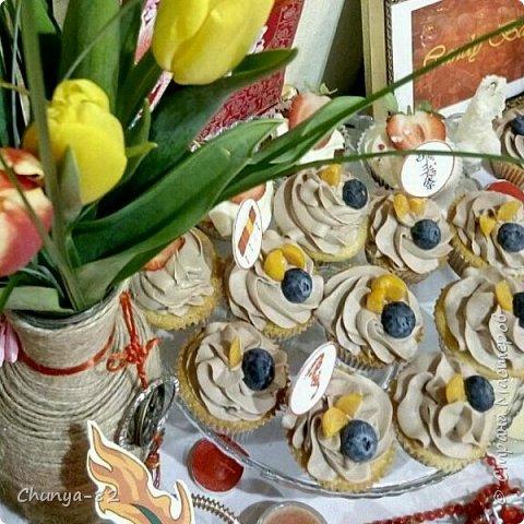 Мне все больше стали нравится без мастичные торты ))).....Они мне кажутся более настоящие, более яркие, ароматные.. фото 14