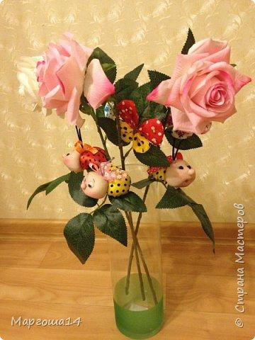 """Продолжила мастерить подарки на тему """"букашки""""))) Сшила маленьких бабочек,которыми можно украсить и кукол,и цветы и сделать магниты. Пришлось немного помаяться с этими малявками))) Вот такое букашечное семейство получилось. Большие бабочки с маленькими . фото 10"""