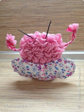 """Продолжила мастерить подарки на тему """"букашки""""))) Сшила маленьких бабочек,которыми можно украсить и кукол,и цветы и сделать магниты. Пришлось немного помаяться с этими малявками))) Вот такое букашечное семейство получилось. Большие бабочки с маленькими . фото 3"""