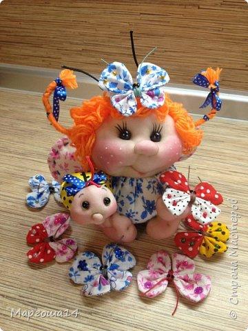 """Продолжила мастерить подарки на тему """"букашки""""))) Сшила маленьких бабочек,которыми можно украсить и кукол,и цветы и сделать магниты. Пришлось немного помаяться с этими малявками))) Вот такое букашечное семейство получилось. Большие бабочки с маленькими . фото 8"""