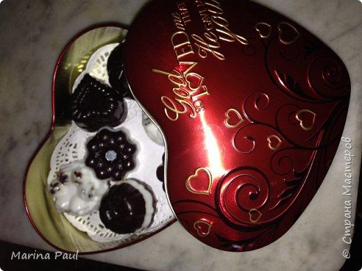 Мыло шоколадное ассорти . Ингредиенты : мыльная основа ( белая и прозрачная ) , какао порошок , кокосовое масло , зерна кофе , какао масло , жожоба масло, шоколадная стружка ,  , ароматизир. Масла : с запахом малины и какао , кокоса .   фото 2