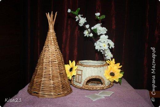 Вот такой чайный домик получился в подарок на 8 марта. Надеюсь понравиться новой хозяйке такое необычное и функциональное украшение стола. фото 5