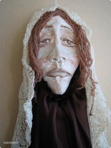 Из заготовок лиц для винтажных ангелочков получились куколки,благодаря ниткам для штопки из бабушкиного сундука.Волосы сделаны именно из них. фото 2