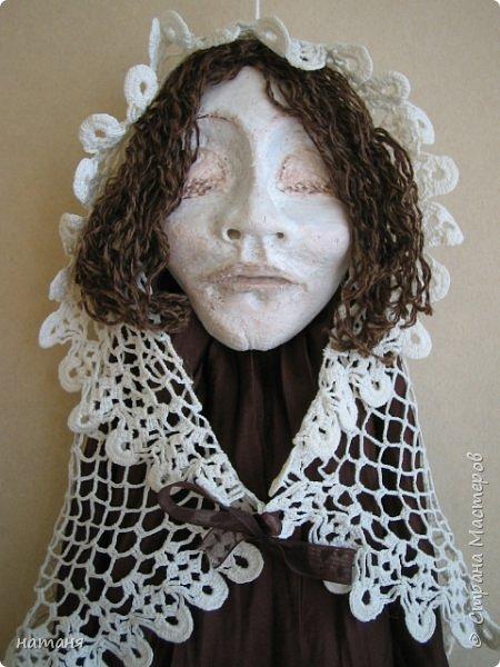 Из заготовок лиц для винтажных ангелочков получились куколки,благодаря ниткам для штопки из бабушкиного сундука.Волосы сделаны именно из них. фото 3