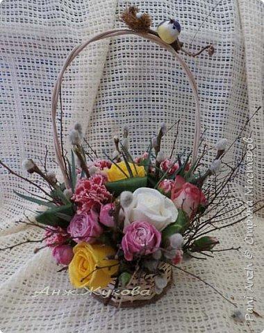 """композиция из живых цветов в флористической сумке """"Радость жизни"""" фото 4"""