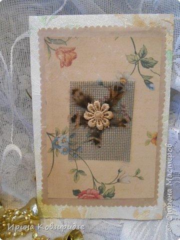Сделала 4 открытки из остатков срапбумаги, остатков красивых обоев (бумага есть бумага), наклеек, кружев и перьев, и т.д. фото 14