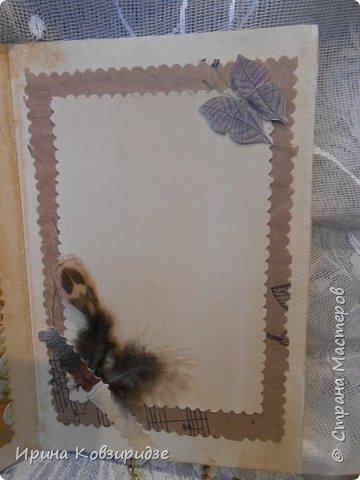 Сделала 4 открытки из остатков срапбумаги, остатков красивых обоев (бумага есть бумага), наклеек, кружев и перьев, и т.д. фото 19