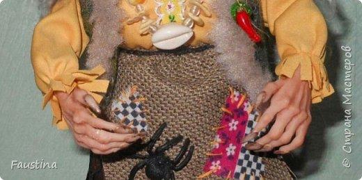 Здравствуйте,дорогие Мастера! Сегодня хочу показать еще одну интерпретацию своей авторской куколки. Это совместная работа с моей очень хорошей знакомой мастерицей Верой Юсуповой,она занимается куколками из капрона. На заказ для нее я изготовила молды (голову,ручки,ножки) бабы Яги. Сборкой и декором занималась уже сама т.Вера))) Что у нас получилось,представляю на Ваш суд! К стати,МК именно по этой бабульке я размещала в своем блоге. Приятного просмотра! фото 2