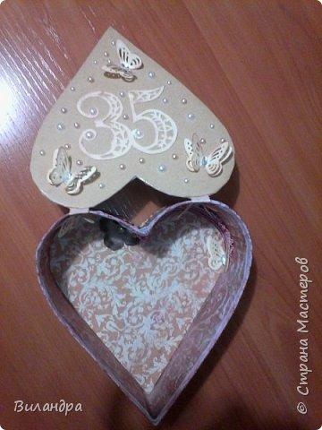 Попросила меня, моя подружка сделать для нашей общей знакомой коробульку обязательно в виде сердца и открыточку, вот что из этого вышло: фото 3