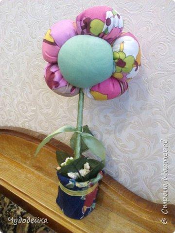 Вот такой цветочек у меня получился в этот раз, делала уже подобный, но без личика. МК цветка http://stranamasterov.ru/node/517075?c=favorite фото 3