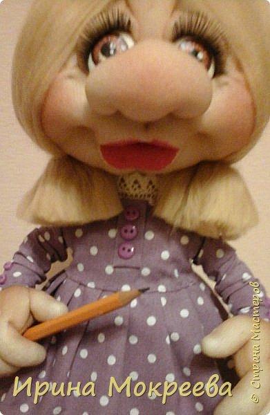 Вторая девочка- подарок с карандашом,наверное что-то будет чертить. фото 2