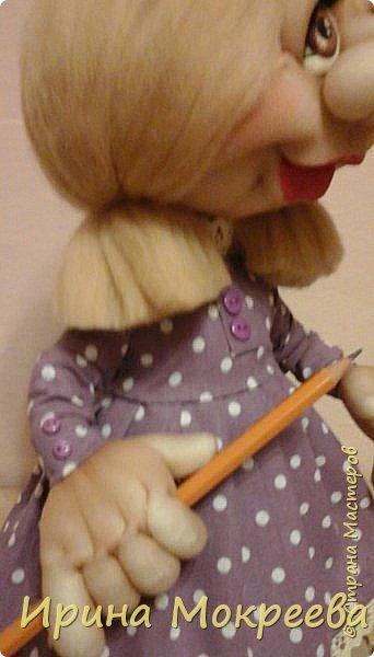 Вторая девочка- подарок с карандашом,наверное что-то будет чертить. фото 3