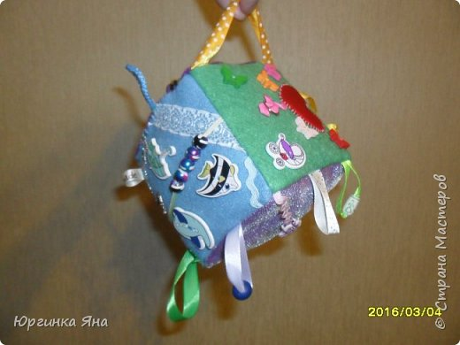 Всем добрый вечер. Сегодня хочу показать развивающий кубик для племянника. Делала впервые, долго собиралась с мыслями, смотрела идеи в СМ, и... под вдохновением сотворила это...!!!))) фото 2