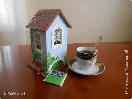Здравствуйте Мастера и Мастерицы! Хочу поделиться новым изделием и небольшим МК. Когда пришла идея создать домик для чайных пакетиков, я стала искать в интернете идеи для оформления. Сколько прекрасных домиков я видела!  Я предложила своим ученицам создать такой домик в подарок маме к 8 Марта - прекрасная и полезная поделка для кухни. Спасибо Марине за идею оформления http://stranamasterov.ru/node/349655. Очень мне понравился её домик и я попробовала сотворить подобное. фото 16