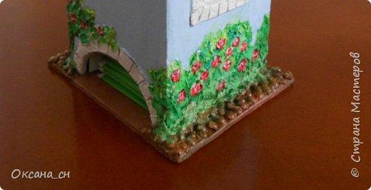 Здравствуйте Мастера и Мастерицы! Хочу поделиться новым изделием и небольшим МК. Когда пришла идея создать домик для чайных пакетиков, я стала искать в интернете идеи для оформления. Сколько прекрасных домиков я видела!  Я предложила своим ученицам создать такой домик в подарок маме к 8 Марта - прекрасная и полезная поделка для кухни. Спасибо Марине за идею оформления http://stranamasterov.ru/node/349655. Очень мне понравился её домик и я попробовала сотворить подобное. фото 10