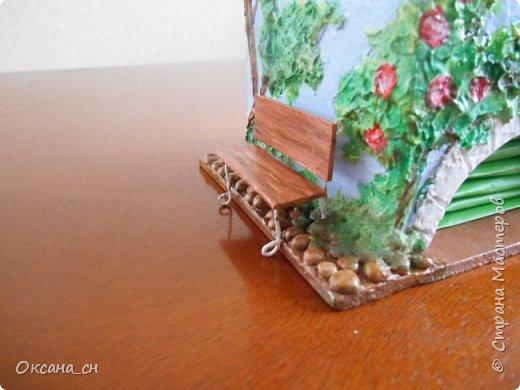 Здравствуйте Мастера и Мастерицы! Хочу поделиться новым изделием и небольшим МК. Когда пришла идея создать домик для чайных пакетиков, я стала искать в интернете идеи для оформления. Сколько прекрасных домиков я видела!  Я предложила своим ученицам создать такой домик в подарок маме к 8 Марта - прекрасная и полезная поделка для кухни. Спасибо Марине за идею оформления http://stranamasterov.ru/node/349655. Очень мне понравился её домик и я попробовала сотворить подобное. фото 15