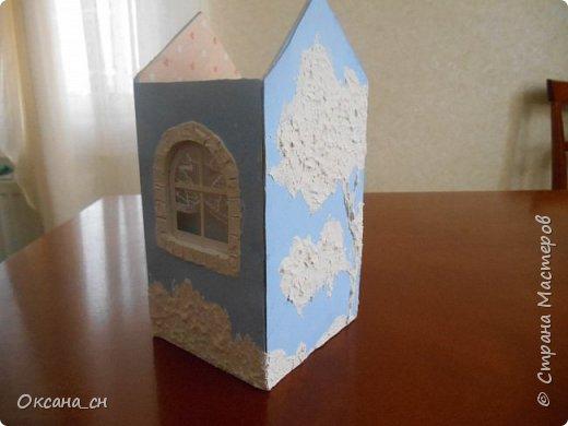 Здравствуйте Мастера и Мастерицы! Хочу поделиться новым изделием и небольшим МК. Когда пришла идея создать домик для чайных пакетиков, я стала искать в интернете идеи для оформления. Сколько прекрасных домиков я видела!  Я предложила своим ученицам создать такой домик в подарок маме к 8 Марта - прекрасная и полезная поделка для кухни. Спасибо Марине за идею оформления http://stranamasterov.ru/node/349655. Очень мне понравился её домик и я попробовала сотворить подобное. фото 6