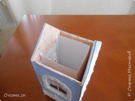 Здравствуйте Мастера и Мастерицы! Хочу поделиться новым изделием и небольшим МК. Когда пришла идея создать домик для чайных пакетиков, я стала искать в интернете идеи для оформления. Сколько прекрасных домиков я видела!  Я предложила своим ученицам создать такой домик в подарок маме к 8 Марта - прекрасная и полезная поделка для кухни. Спасибо Марине за идею оформления http://stranamasterov.ru/node/349655. Очень мне понравился её домик и я попробовала сотворить подобное. фото 5