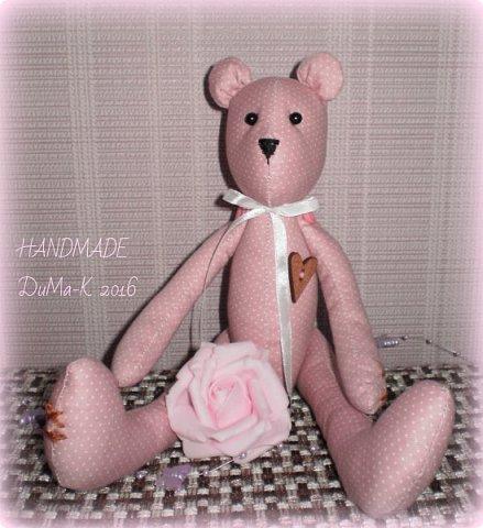Всём жителям СМ, и гостям моего блога большой привет! Сегодня я к вам с необычным для меня изделием, игрушкой в стиле тильда. У нас в лицее открылся кружок по рукоделкам, вот там этот малыш и родился! Знакомьтесь романтик Эдвард!  фото 1