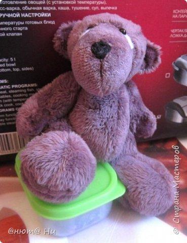Давно хотела сшить этого мишку, выкройка с сайта ПРЕТТИ ТОЙЗ.  Заранее извиняюсь за качество фото, вовремя не проверила, а сейчас медведь уже уехал и ничего уже не исправить, увы... фото 2