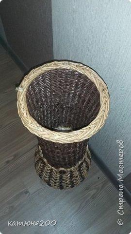 Доброго времени суток, дорогие соседи!!!!!! Вот, выставляю свою первую вазу. Плела по заказу, для приятельницы на работе.Вроде как всем понравилась. фото 3