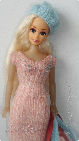 Когда мне было 13 лет у меня появилась кукла о которой я мечтала.  Я очень хотела эту куклу с идеальным телом, чтоб шить для неё самые красивые наряды. Достать тогда такую куклу было очень сложно и дорого. Это было начало 90х. Только спустя 5 лет я пошла учится шить, а до этого я делала это как умела.  Это моя кукла, уже не помню как её звали.  Спасибо маме, что сохранила её. фото 44