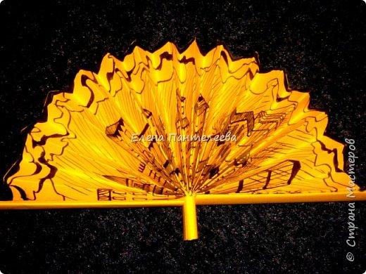 Идею создания такого веера нашла в интернете, но решила упростить задачу материалов, в целях доступности школьникам, на уроке ДПИ. фото 43