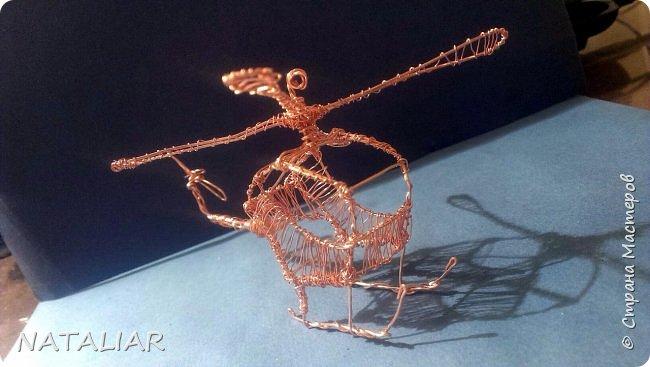 Вертолет из проволоки фото 1