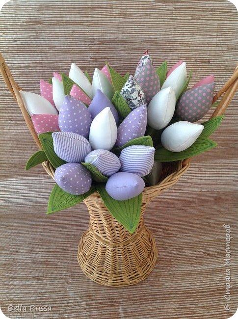 Дорогие мастерицы! С наступающим праздником! Как здорово, что первый весенний праздник именно женский! И как хотелось бы, чтоб чудесно-весеннее настроение сохранялась весь год! И побольше цветов .... Круглый год!     фото 11