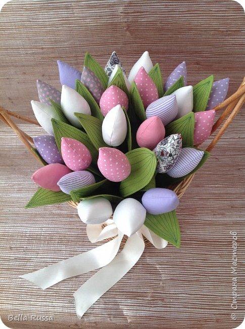 Дорогие мастерицы! С наступающим праздником! Как здорово, что первый весенний праздник именно женский! И как хотелось бы, чтоб чудесно-весеннее настроение сохранялась весь год! И побольше цветов .... Круглый год!     фото 3