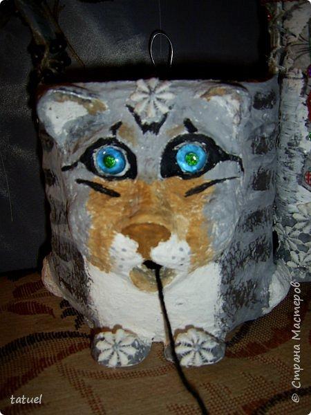 Добрый вечер! Я  еще с одной кошкой пришла.   Предыдущий кот объелся пакетами и спит на кухне ( утренний).  Тут другая история.  И кошечка очень милая. Это корзинка для вязания.  фото 3