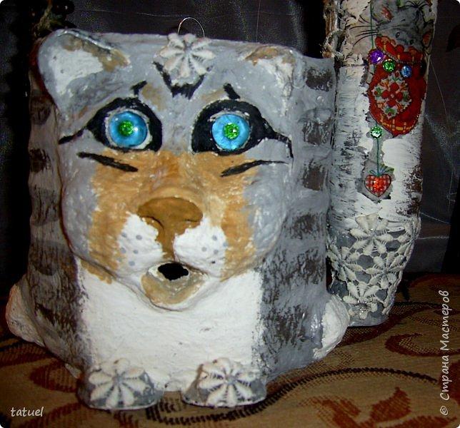 Добрый вечер! Я  еще с одной кошкой пришла.   Предыдущий кот объелся пакетами и спит на кухне ( утренний).  Тут другая история.  И кошечка очень милая. Это корзинка для вязания.  фото 10