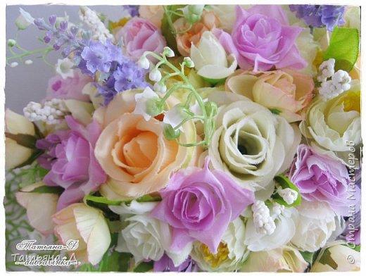 Корзиночка с весенней композицией была создана к празднику 8 марта по заказу,для подарка. Очень старалась сохранить светлые,нежные краски,яркий цвет молодой листвы... Очень хорошо в таком случае использовать ландыши,сразу понятно,что речь в композиции идёт о весне!!!  Всем,всем желаю приятного просмотра,и радостного,весеннего настроения!!! фото 4