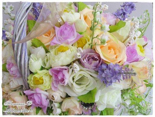 Корзиночка с весенней композицией была создана к празднику 8 марта по заказу,для подарка. Очень старалась сохранить светлые,нежные краски,яркий цвет молодой листвы... Очень хорошо в таком случае использовать ландыши,сразу понятно,что речь в композиции идёт о весне!!!  Всем,всем желаю приятного просмотра,и радостного,весеннего настроения!!! фото 6