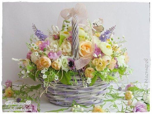 Корзиночка с весенней композицией была создана к празднику 8 марта по заказу,для подарка. Очень старалась сохранить светлые,нежные краски,яркий цвет молодой листвы... Очень хорошо в таком случае использовать ландыши,сразу понятно,что речь в композиции идёт о весне!!!  Всем,всем желаю приятного просмотра,и радостного,весеннего настроения!!! фото 1