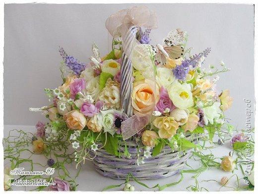 Корзиночка с весенней композицией была создана к празднику 8 марта по заказу,для подарка. Очень старалась сохранить светлые,нежные краски,яркий цвет молодой листвы... Очень хорошо в таком случае использовать ландыши,сразу понятно,что речь в композиции идёт о весне!!!  Всем,всем желаю приятного просмотра,и радостного,весеннего настроения!!! фото 5