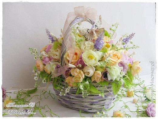 Корзиночка с весенней композицией была создана к празднику 8 марта по заказу,для подарка. Очень старалась сохранить светлые,нежные краски,яркий цвет молодой листвы... Очень хорошо в таком случае использовать ландыши,сразу понятно,что речь в композиции идёт о весне!!!  Всем,всем желаю приятного просмотра,и радостного,весеннего настроения!!! фото 7