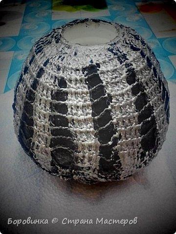 Всем доброго дня! Представляю продолжение серии ваз из стеклянных бутылок и папье маше. Но этот кувшин : гипс на воздушном шарике по МК Любови Подолинной. фото 6