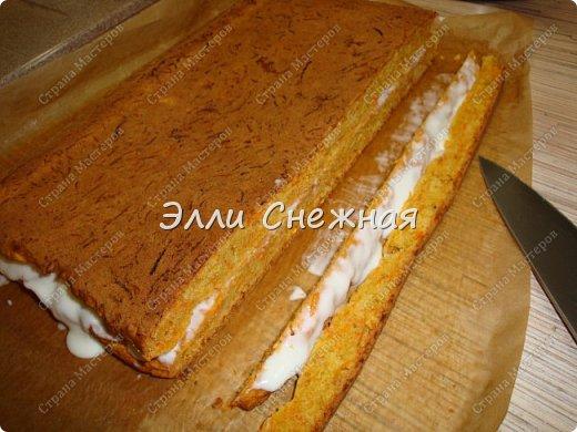 Захотелось к чаю чего нибудь необычного - надоели бисквитные торты со взбитыми сливками. И тут я вспомнила рецепт замечательного морковного торта, который я записала более 30 лет назад. Одноклассница угостила вкуснющим тортиком, а заодно и рецептом поделилась. А сегодня я делюсь с вами. фото 10