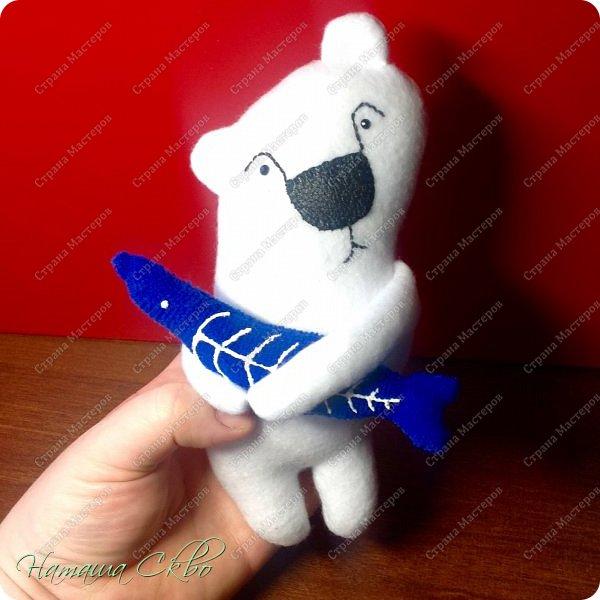 """Всем доброго времени суток! Недавно хвалилась своими ЗУДно- наХлыми котами (живут кошачьи здесь- http://stranamasterov.ru/node/998751)... А сегодня- моя очередная """"хотелка"""". Эта игрушка- примитив с названием """"Polar Bear Boris"""" попалась мне в Инете, поняла, что ОЧЕНЬ- ОЧЕНЬ- ОЧЕНЬ хочу себе Бореньку! фото 12"""