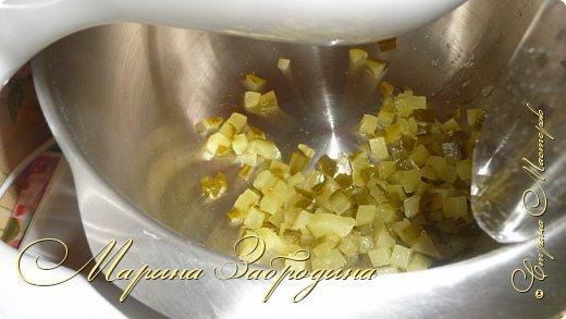 Здравствуйте! Сегодня предлагаю приготовить очень простой, но сытный и вкусный салатик. Такой салат можно приготовить и для гостей, и просто на ужин. фото 6