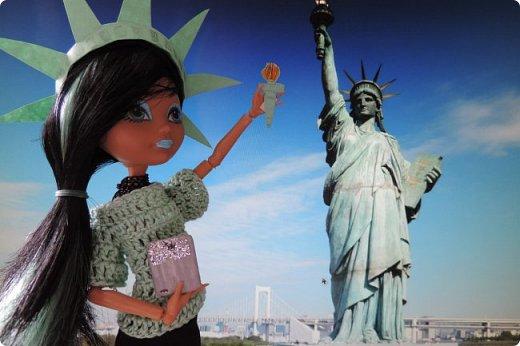 """Та-дам!!! У нас новое путешествие! Моей Мяте стало скучно и она решила отправиться в Нью-Йорк, один из крупнейших городов США, чтобы так сказать """"освежиться"""":D)) Ну, вообще это работа на конкурс... Но, ладно не буду вас больше мучать, дальше будет говорить Минт(т.е. Мята по-русски).  ___________________________________________________________________________________________________________  - Итак, Сегодня мы с Sea покажем вам Нью-йорк! Let`s Go! фото 1"""
